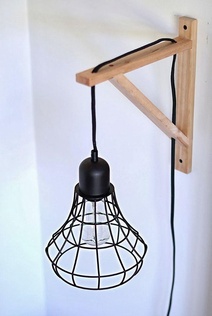 PINTEREST: 10 DIY POUR EMBELLIR SES MEUBLES IKEA—À l'aide de quelques trous bien placés, un support à tablette EKBY VALTER (2 $ chaque) accueille une ampoule moderne, pour une lampe de chevet originale et peu coûteuse.