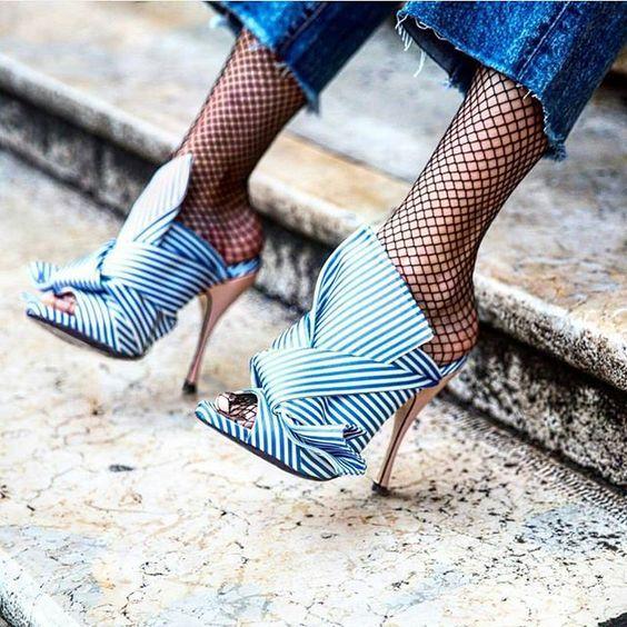 High heels | Fishnet | Denim | Streetstyle | Blue | White | More on Fashionchick.nl