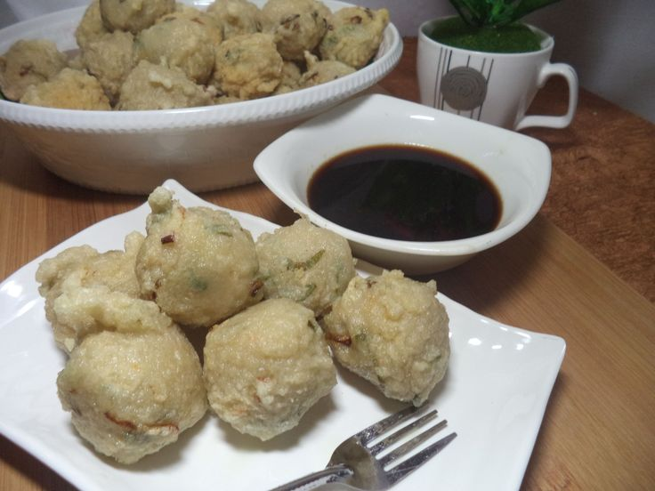 For complete recipe : http://www.netirecipes.com/2017/12/resep-pempek-adaan-khas-palembang.html