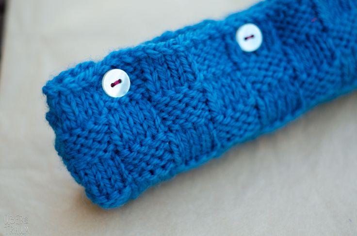 Wool Knit Pencil Case in dark teal - Über den Traum