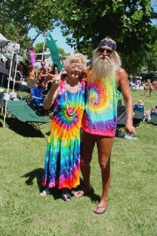 """Cómo hacer tu remera """"hippie"""" tie dye y Batik"""