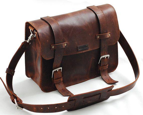 1000  idei despre Leather Book Bag pe Pinterest | Jane austen