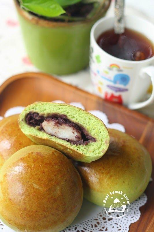 Nasi Lemak Lover: Red bean & Mochi bread buns 红豆蔴糬面包