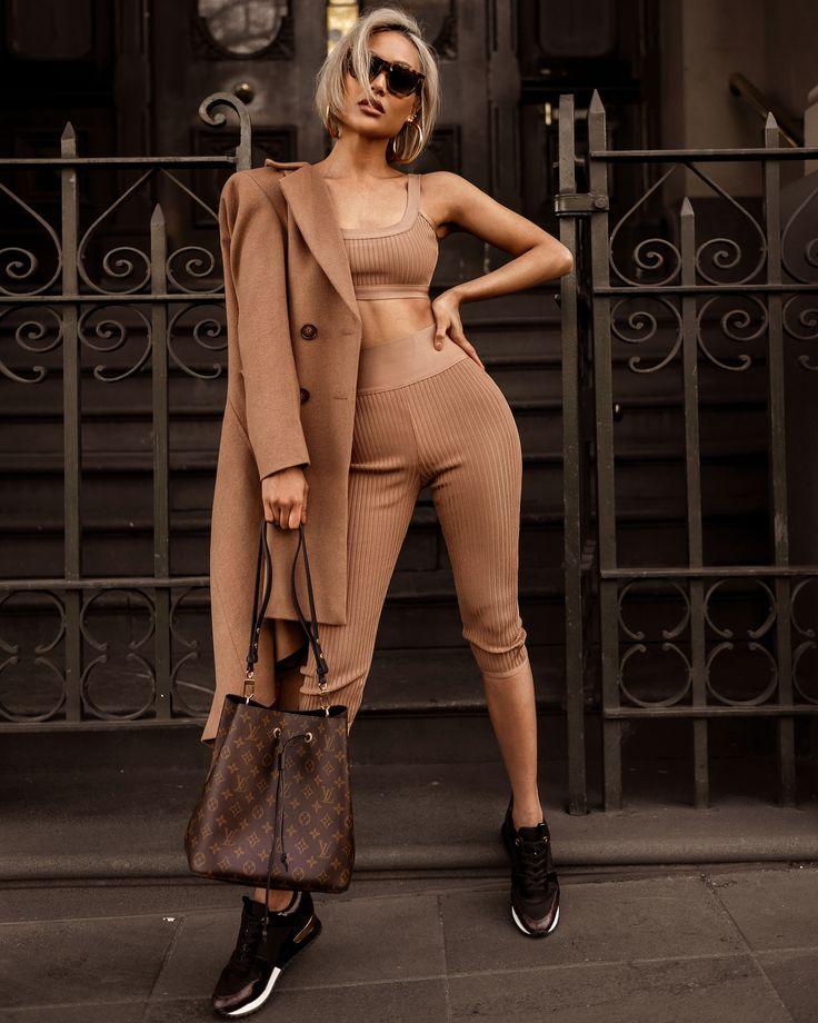 Tan on tan ✨ Crop & pants set @hotmiamistyles | Мода, Наряды, Одежда