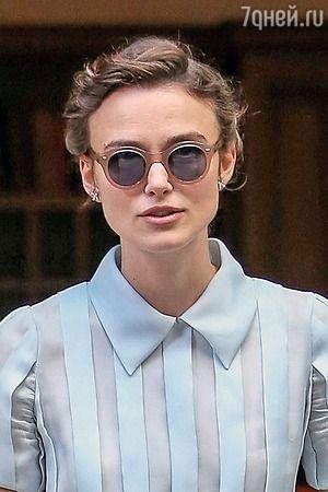 Кира Найтли  Форма лица – квадрат  Квадратное лицо отличается очень широкими скулами, которые расположены на одинаковом расстоянии от угловатого подбородка и корней волос. Наглядный пример – Мадонна, Деми Мур, Анжелина Джоли, Кира Найтли, Гвинет Пэлтроу. Главная цель, в отличие от круглого лица, сгладить углы. В этом деле отлично помогут круглые или овальные очки, а также очки с темной плавной оправой.    Информация взята из – http://7days.ru/fashion/trends/kak-podobrat-solntsezashchitnye-