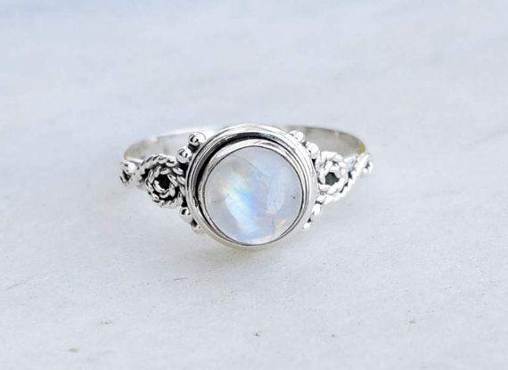 Bague Pierre de lune, bague en argent, bague arc-en-ciel, 925 bague en argent, anneau de Pierre   Cette bague est faite en argent sterling 925.