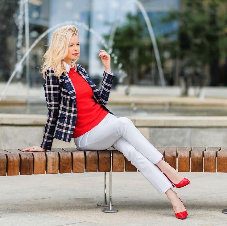 #polishgirl #blondegirl #ootd #dailyootd #elegance #elegant #olfaktoriaootd #redlips #semilac #semigirls  @semilac nr 068: bit.ly/2jvnr4a