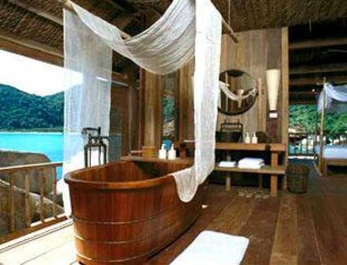Nha-Trang, Vietnam: accessible only by boat for the romantic honeymoon of your dreams