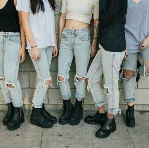 A moda que você veste hoje vem do século XX: http://www.thenewframepost.com.br/diaadia/a-moda-que-voce-veste-hoje-vem-do-seculo-xx