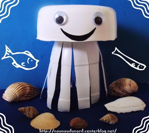 méduse  réalisée avec une petite bouteille de lait et un pot de blédichef , explications sur mon blog http://nounoudunord.centerblog.net/rub-activie-1er-avril-.html