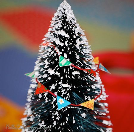 Book: Santa Mouse by Michael Brown Activity: Miniature Tree Garland