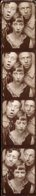 Jean Aurenche, Marie-Berthe Aurenche y Max Ernst. 1929.