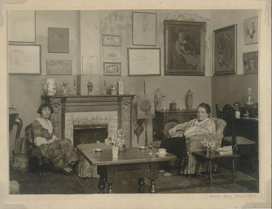 Man Ray - Gertrude Stein and Alice Toklas in the apartment at 27 rue de Fleurus, Paris, 1922