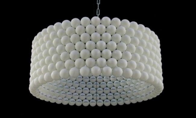 [Hazlo tú mismo]: Lámpara con pelotas de ping pong ‹ Mi nuevo Hogar – Subsidios, Inmobiliario, Mobiliario, Decoración, Diseño, Vida Sana y más