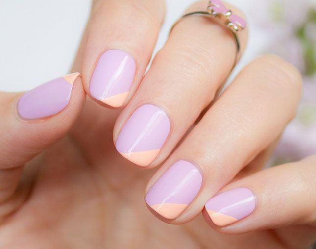 This lavender and peach mani is so pretty.