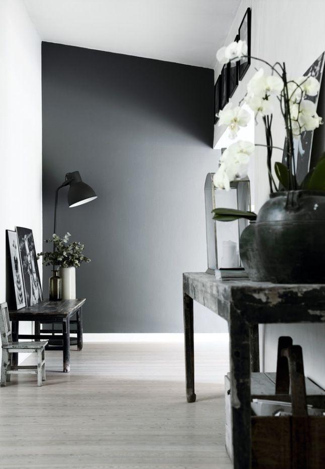 A black & grey palette 01
