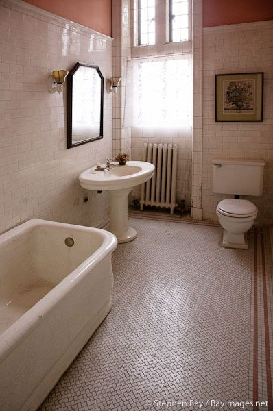 Period Edwardian Bathroom - Casa Loma