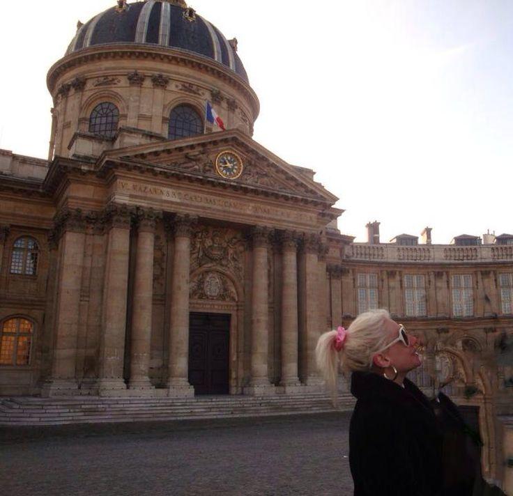 Τζούλια Αλεξανδράτου: Οι βόλτες της στο Παρίσι! Φωτογραφίες - Tlife.gr