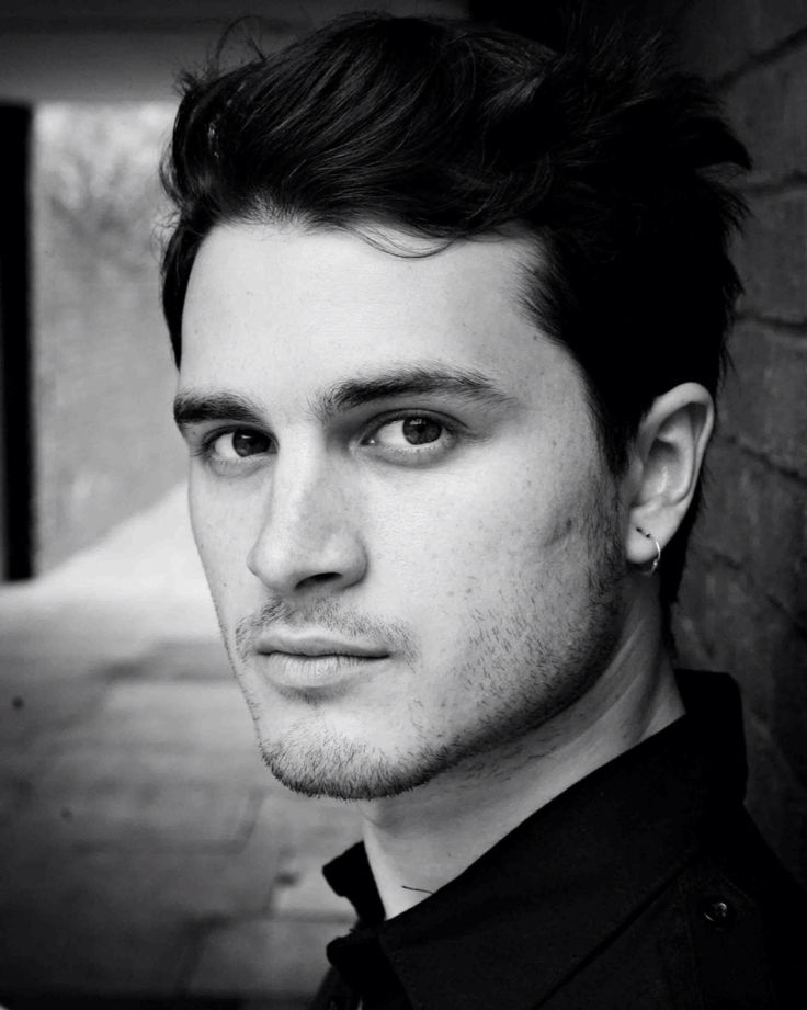 Michael Malarkey (TV's Vampire Diaries) Releases New Single, Appearing in London