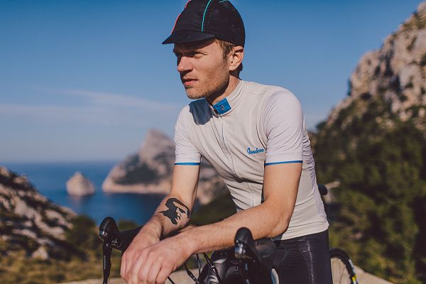 Isadore Apparel - Climbers Jersey - Nesting on the border between France and Italy you will find the highest paved road in the Alps - Col de la Bonette. At 2.715 metres it towers majestically in front of you in the Mercantour National Park. #isadoreapparel #roadisthewayoflife #cyclingmemories