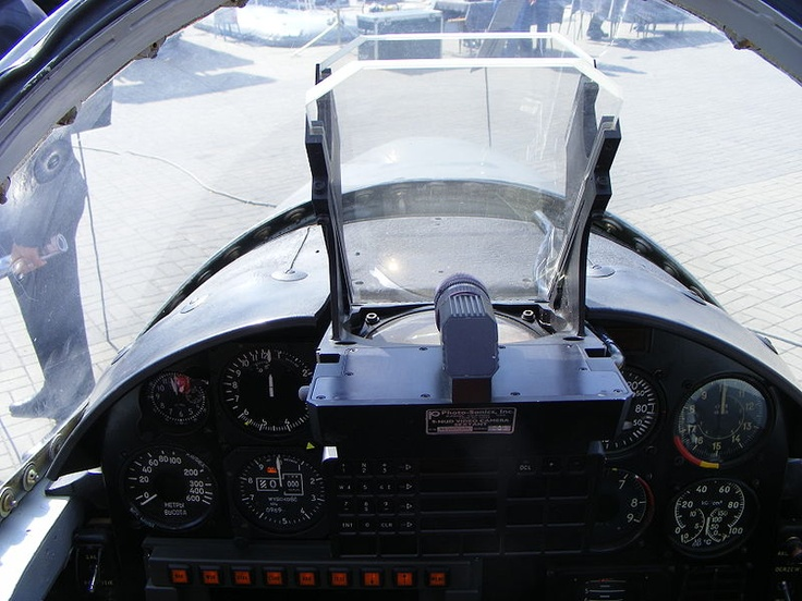 PZL TS-11F Iskra (HUD).jpg