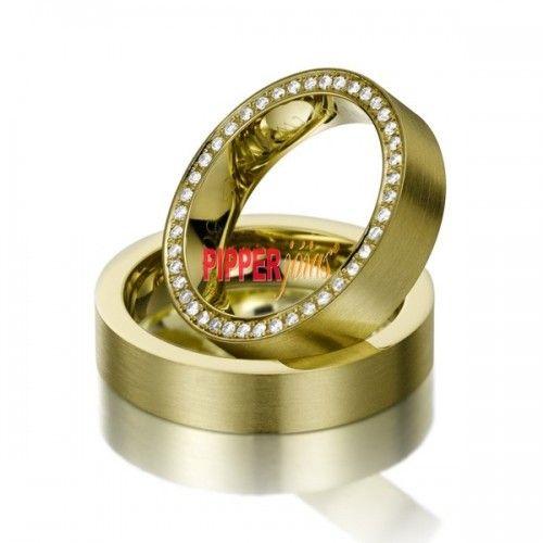 Par de Alianças em Ouro Amarelo 18k 750 Cravejada com Diamantes - AD60