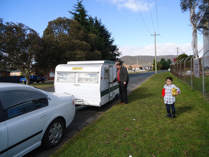 Caravan in Australia can provide free haliday accommodation. http://1home1family.com