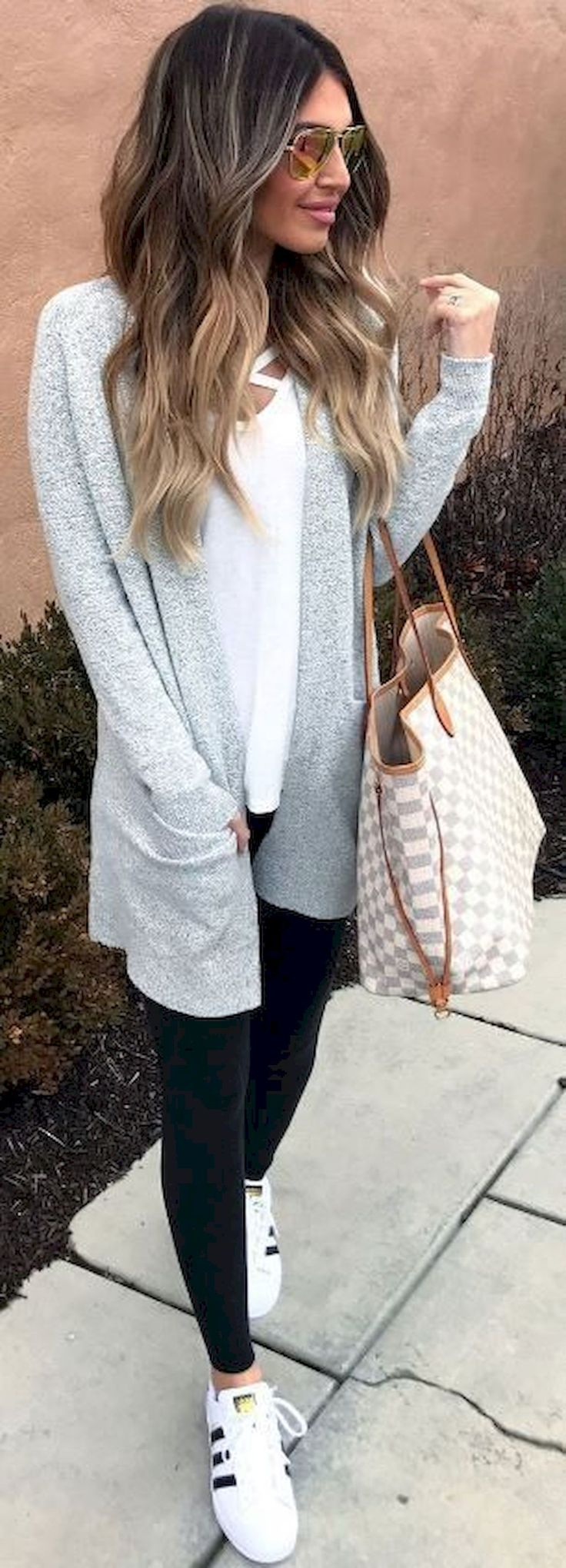 Gorgeous 85+ Comfy Airplane Outfits Ideas for Women https://bitecloth.com/2017/12/31/85-comfy-airplane-outfits-ideas-women/