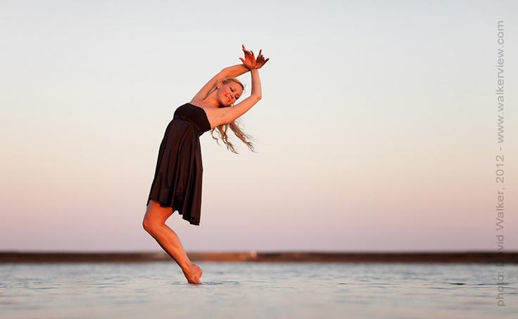 Professional dancer Tonya Milne at Lake Ontario, Toronto, Canada. Dance photography by David Walker.