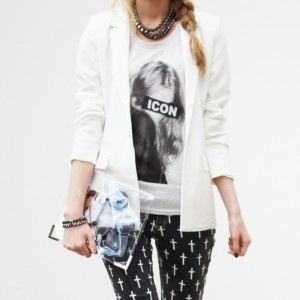 Icon IT-shirt / available at www.modemusthaves.com