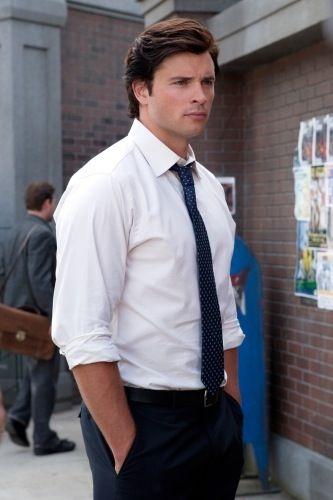SMALLVILLE Tom Welling as Christian grey he's wearing the tie!!!:))