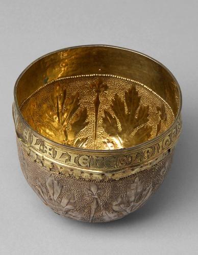 Bride shell of Margarete Maultasch     around 1340, 17 Century (lip border with scripture)