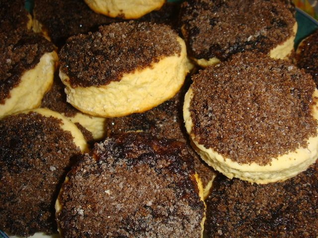 """Facturas"": ""Tortitas negras"" (little cakes with top of black sugar). Argentina."