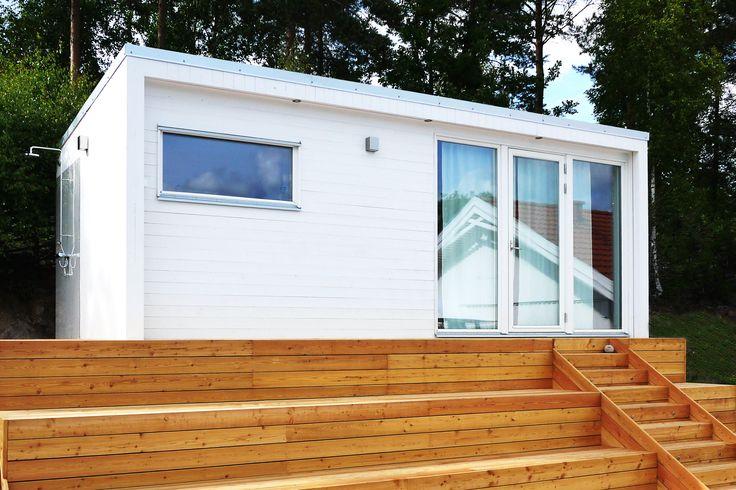 Attefallshus - (Swedish Cottage of 25 sqm Compact Living) - http://enkelrum.se/wordpress/wp-content/uploads/2014/02/Enkelrum_E25_Attefallshus_2.jpg