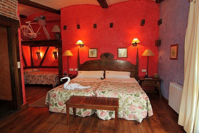 Dormitorio casa rural Las Cavas en #Olmedo provincia de #Valladolid