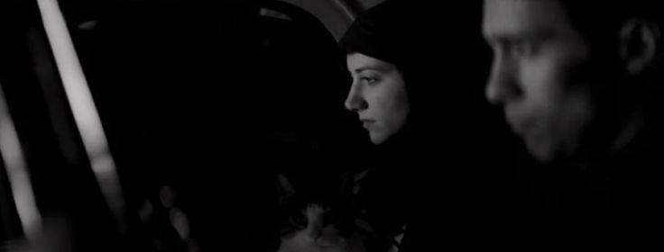 Citas de Cine y Televisión — a girl walks home alone at night