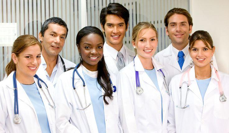 Inglês Médico em Londres para alunos e profissionais da área que tenham  entre 20 e 30 anos. Curso de duas semanas para jovens estudantes de  medicina ou recém-graduados que tenham nível de inglês intermediário baixo  no mínimo e precisem se comunicar em ambiente profissional.