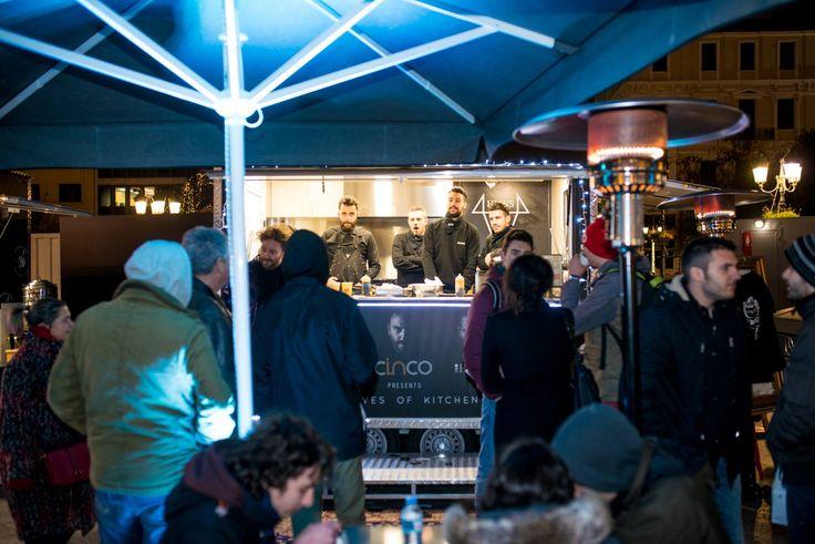 #SmallDiscoveries Food market στην πλατεία Κοτζιά! (http://www.gynaikaeveryday.gr/?page=calendar&day=2016-12-29)