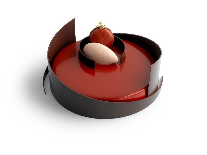 Delvaux (Dark chocolate sponge cake, croustillant with cocoa nibs, crème brûlée flavoured with mdagascar vanilla, raspberry pieces, and a Java milk chocolate sabayon) | Pierre Marcolini