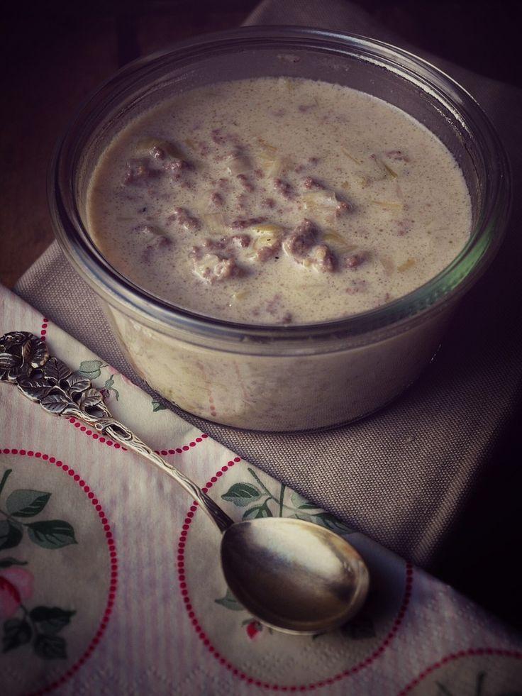 Lauch Hackfleisch Suppe ohne Tütensuppe, ratz fatz zubereitet, superlecker und ideales Rezept zum Einfrieren auf Vorrat. Perfektes Partyfood für Gäste