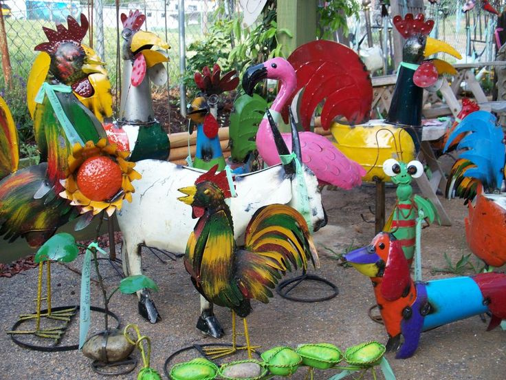 46 best metal yard art images on pinterest metal yard for Recycled yard decorations