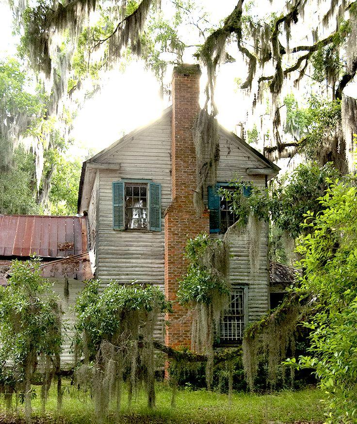 georgiangentility: Glen Echo, built circa 1773, through the live oak, Spanish moss, and resurrection fern