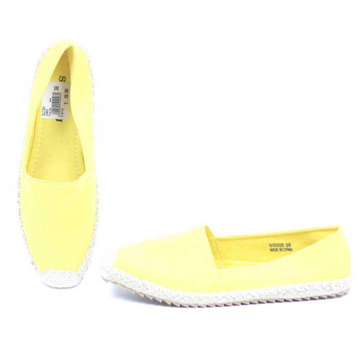 Scarpe espadrillas in tela di cotone giallo e in corda di iuta #shoponline #shopping #fashion #moda #luanfashionstore #luanshoponline #abbigliamento #donna #sconti #look #casual #estate #scarpe #espadrilla #teladicotone #cordadiiuta #shoes #comode #estive #swish #scarpedonna #giallo #yellow
