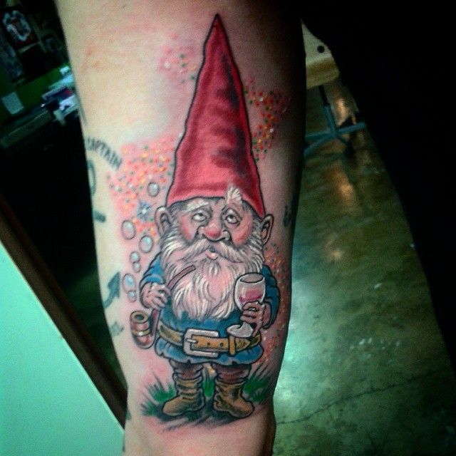 78 best images about tatouages de gnomes gnome tattoos for Garden gnome tattoo designs