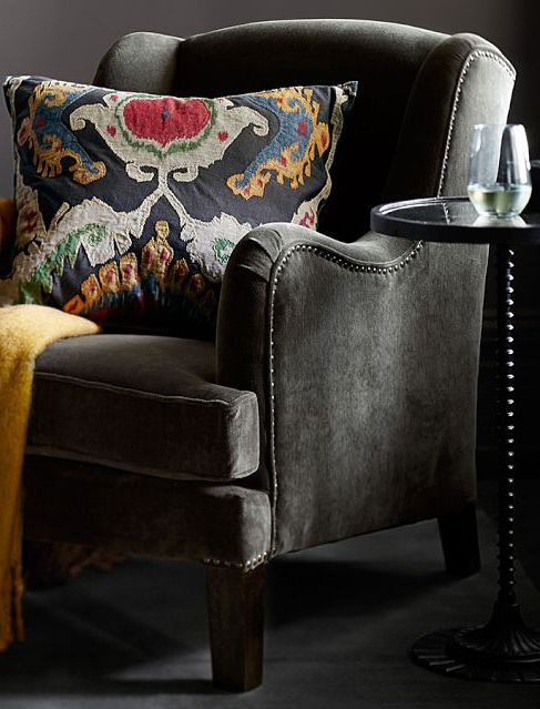 Choose rich and beautiful fabrics for your home.