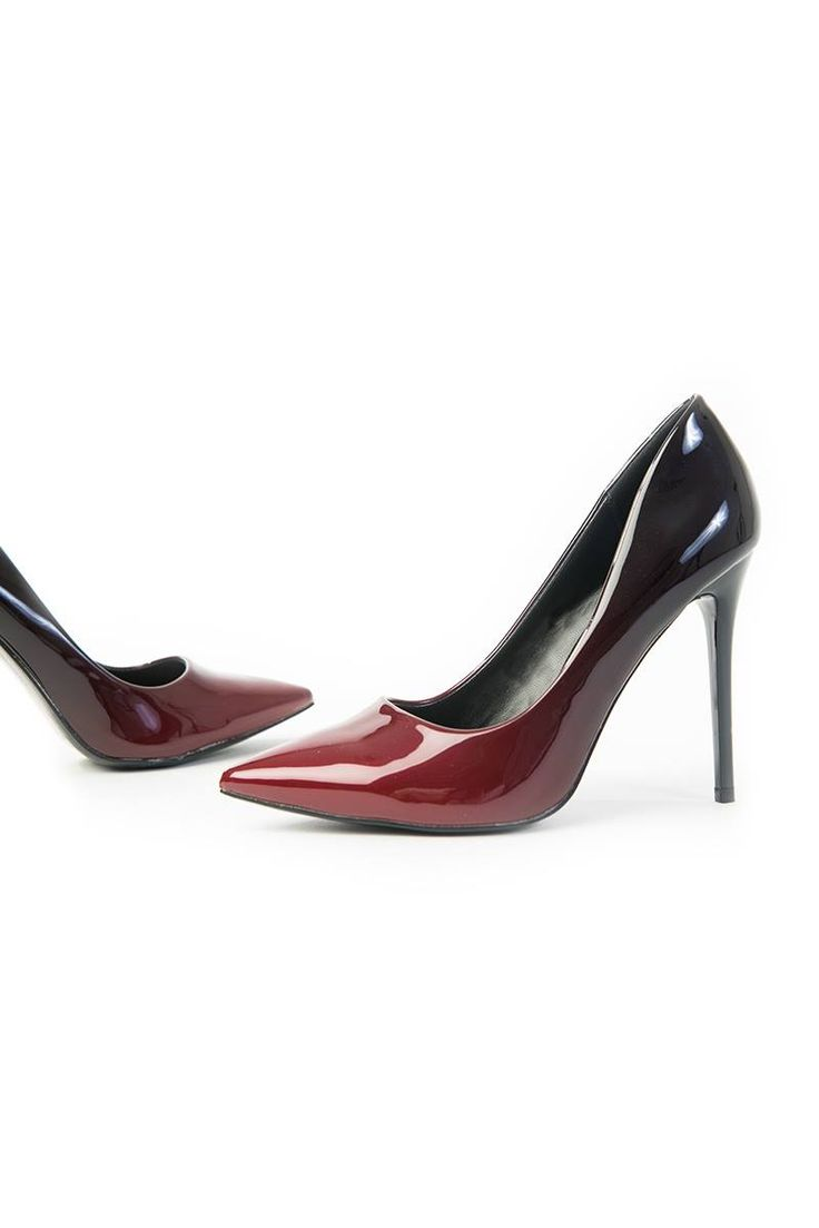 Regular fit. Red high heel shoes. Stiletto heels ombre (red/bordeaux). Pointed toe. Heel Ηeight: 11cm. https://www.modaboom.com/muteri-gova-ompre.html
