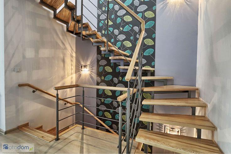 Uwaga! Teraz możesz obejrzeć nieruchomość bez wychodzenia z domu! Tylko u nas zobaczysz wirtualną wycieczkę !!! Kliknij w poniższy link, bądź skopiuj go i wklej w linii adresowej Twojej przeglądarki: http://nestgroup.pl/Panoramy/stare_wlochy/stare_wlochy.htmlOsiedle składa się z 56 domów jednorodzinnych o powierzchni 139,9 i 153 m? w zabudowie szeregowej.Dzięki temu, że większość domów ustawiona jest w ekspozycji wschód-zachód oraz idealnym proporcjom bryły budynku, domy są doskonale ...