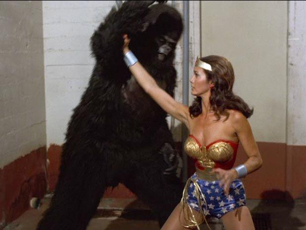 Wonder Woman - Lynda Carter - Gorilla Fighter 8  Super -8907