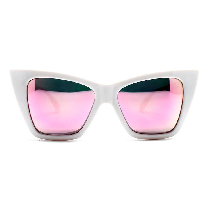 Quay Australia - Invader - Lunettes de soleil yeux de chat - Noir ylXLeSot