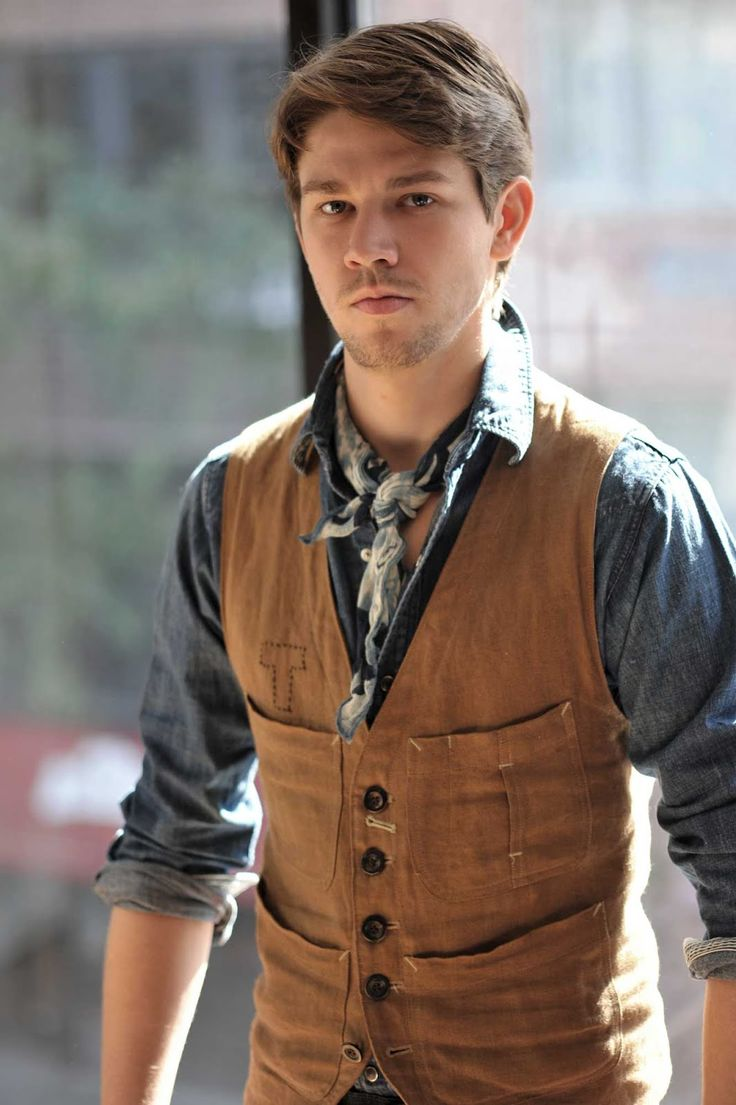Give us a look @ dapperNdame Neckerchief, vest, and chambray.